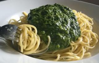 Parmesan Spaghetti mit Spinatsauce