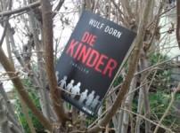 """""""Die Kinder"""" schafft eine unglaublich düstere und fesselnde Atmosphäre !!"""