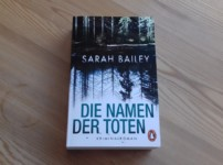 """Mit """"Die Namen der Toten"""" schrieb Sarah Bailey einen fesselnden Debütroman !!"""