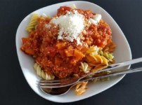 Vegane Bolognese Soße mit Hirse statt Fleisch