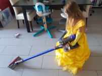 Welche Hausarbeiten können Kleinkinder verrichten?