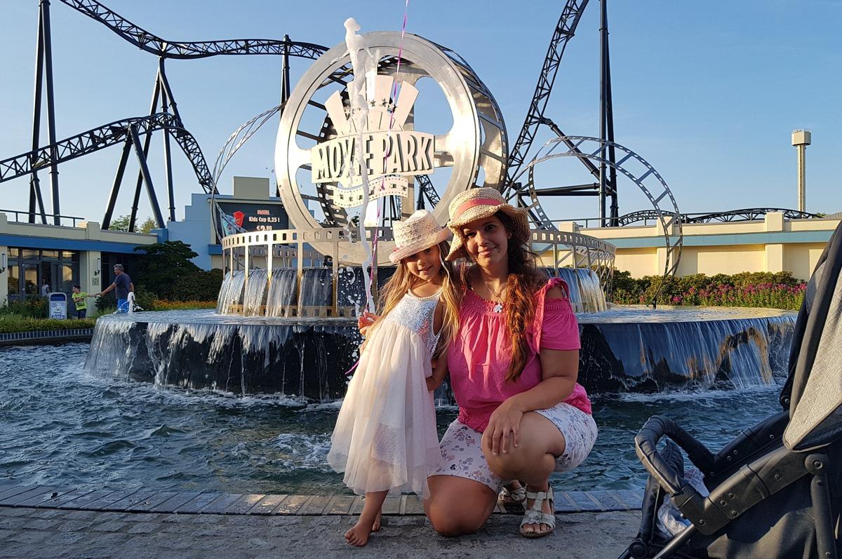 Mama Tochter Bild im Movie Park