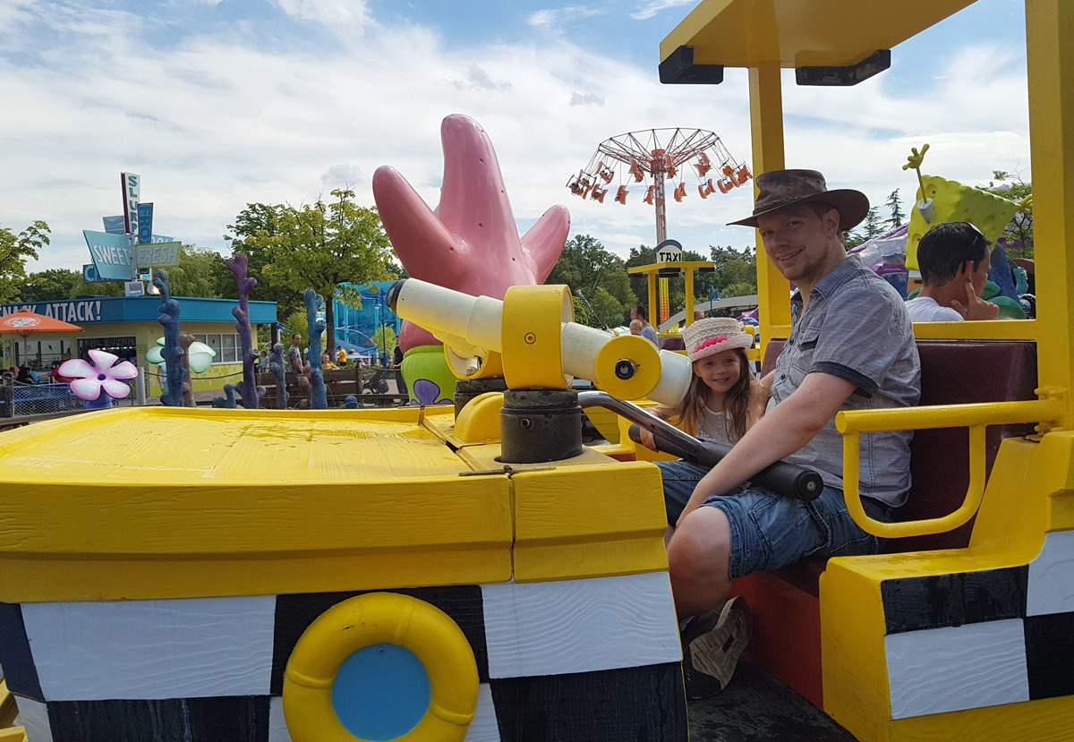 Papa und Tochter haben Spaß