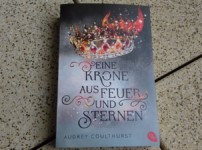 """""""Eine Krone aus Feuer und Sternen"""" ist ein faszinierendes Debüt !!"""