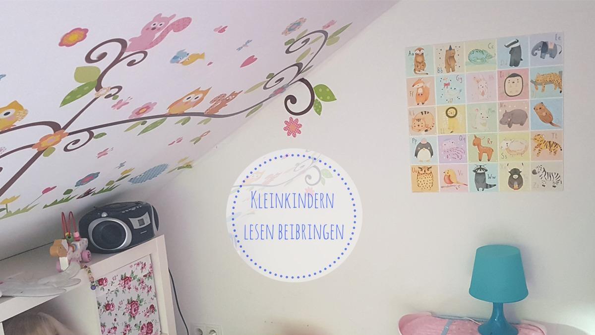 Kinderzimmer mit Anlauttabelle