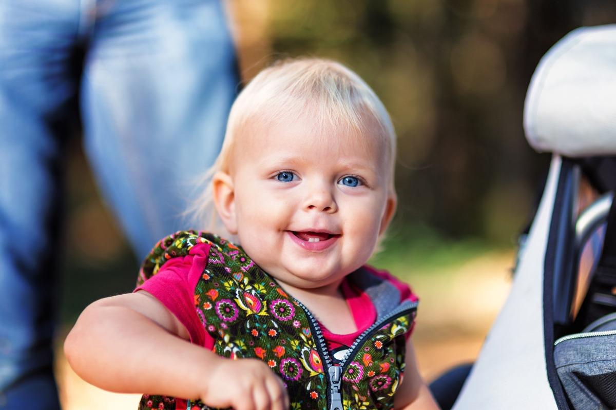 Ab wann muss man babys die Zähne putzen?
