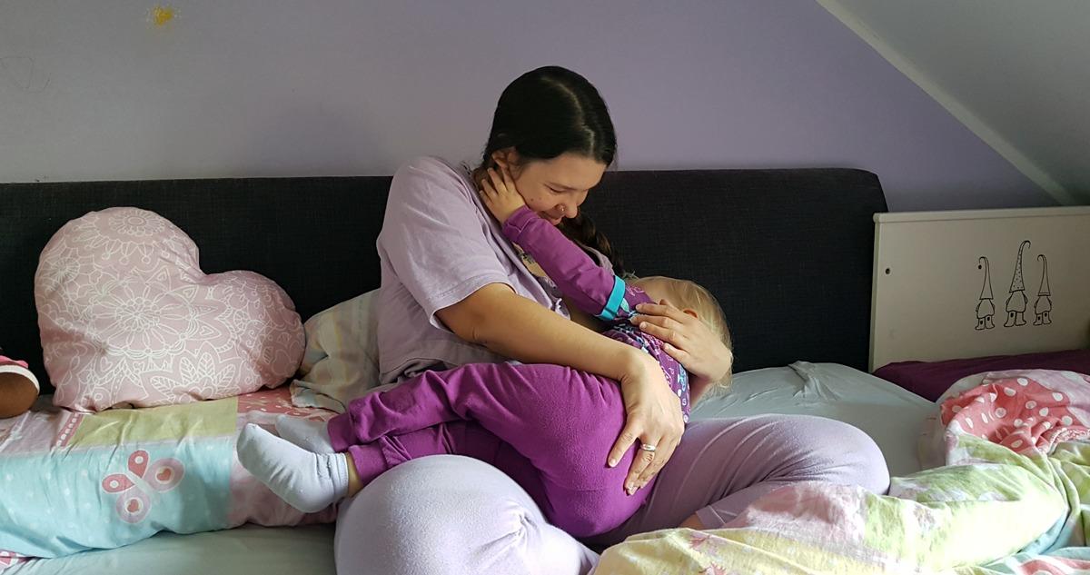 Was muss ich beim Stillen in der Schwangerschaft beachten?