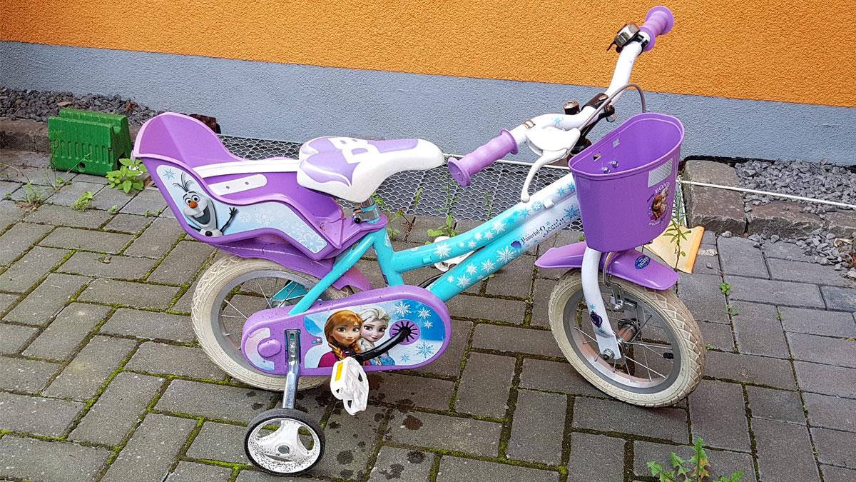 Claires altes Elsa Fahrrad