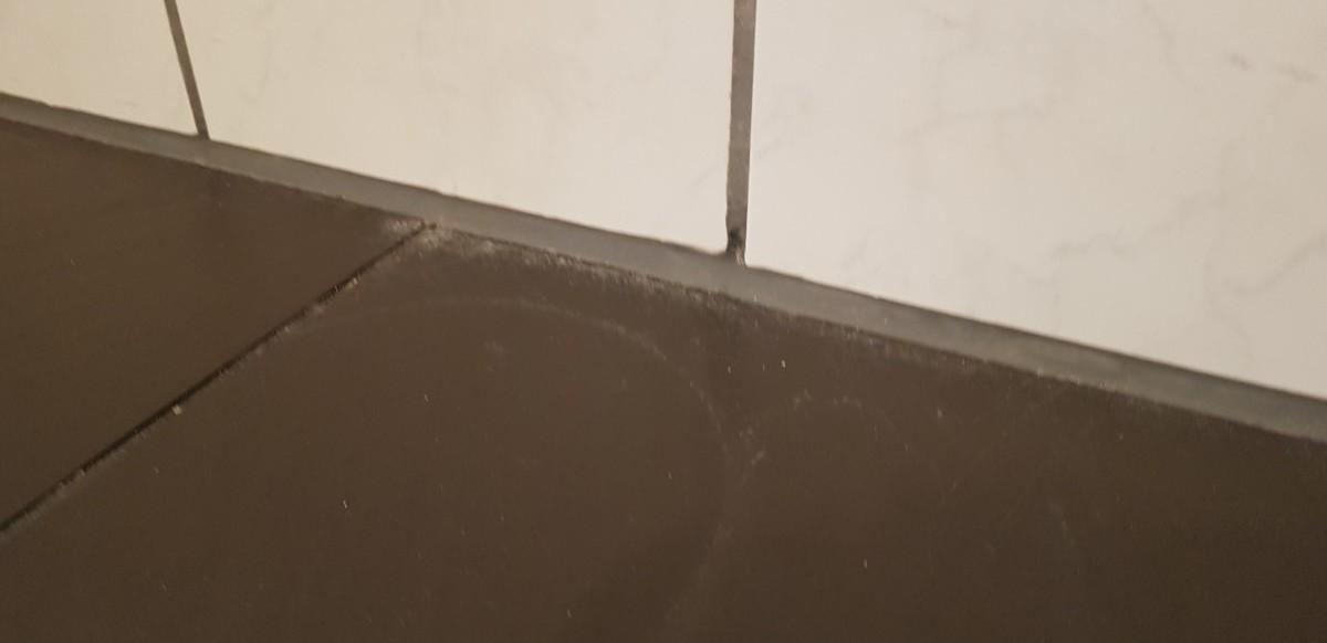 Kalkreste im Bad