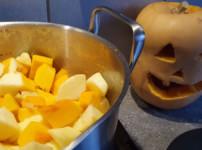 Fruchtige Apfel-Kürbissuppe